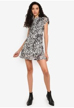 cd1e4f9ba8ef TOPSHOP Animal Mesh Tea Dress RM 159.00. Sizes 6 8 10 12
