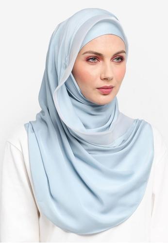Ilham Echenta for ZALORA blue Organza Lining Aulia Satin Hijab IL554AA0SY2QMY_1
