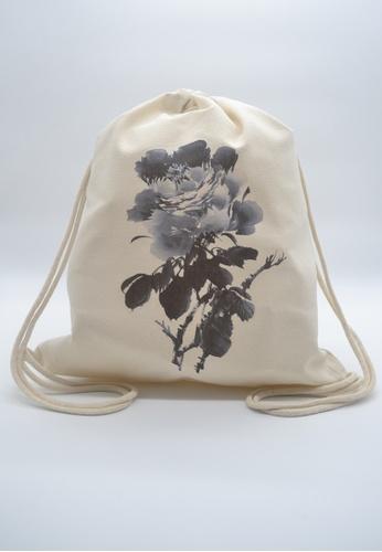 The Twinees black and white Black Peony Calligraphy Drawstring Bag TH572AC08GKXSG_1