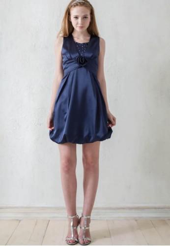 背心式玫瑰花朵腰版設計花zalora 手錶 評價苞裙緞面小禮服, 服飾, 派對洋裝
