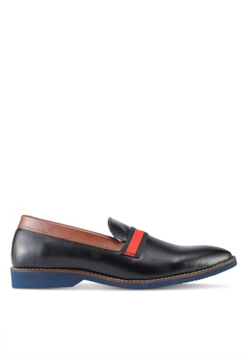 ACUTO black Leather Slip On Shoes AC283SH0SL7TMY_1