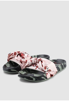 0c8dd415a19a Puma Select PUMA x SUE TSAI Leadcat Cherry Bombs Sandals RM 279.00. Sizes 3  4 5 6 7
