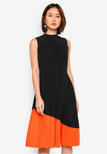 ZALORA black Contrast Pleated Dress E58A8AA08888E4GS_1