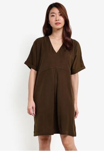 ZALORA green Kimono Sleeves Shift Dress 65F1AAAD5D15FDGS_1