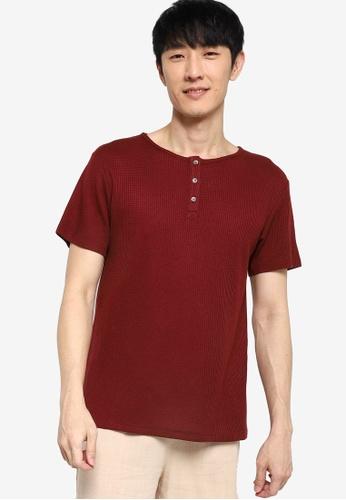 ZALORA BASICS red Waffle Knit Half Button T-Shirt 6DA1AAA8F6612EGS_1