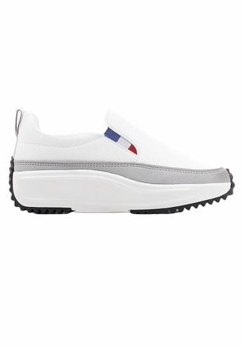 Crystal Korea Fashion 白色 韓國製新款百搭厚底休閒鞋 7703FSHB8C541CGS_1