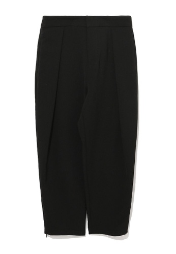 izzue black Crop tailored pants F437FAAD0954A8GS_1