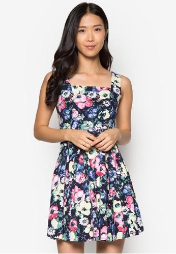 花卉傘擺連身裙, 服飾, zalora 包包評價夏日洋裝