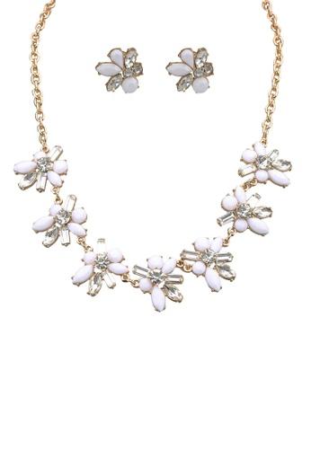 Call It Spring white Legiravia Necklace EBB94AC77D7957GS_1