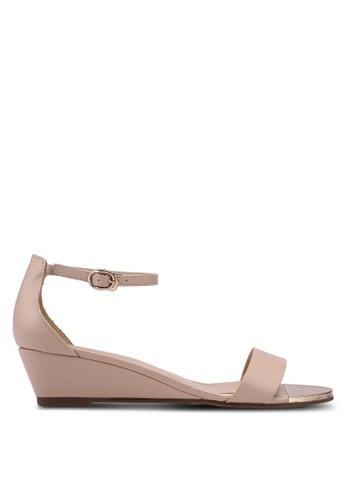 prettyFIT beige Low Wedge Sandals AD56CSHA9A18B7GS_1