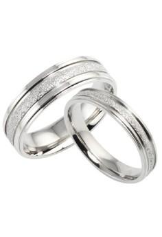 Mitch Couple/Wedding Ring
