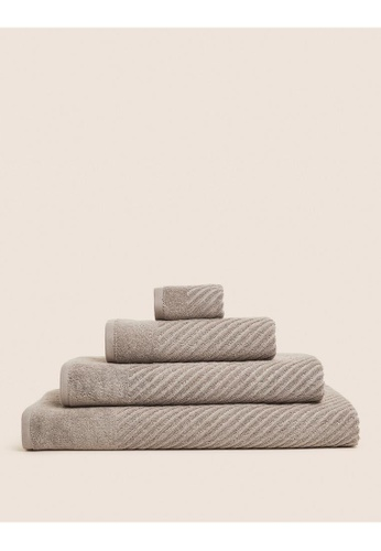 MARKS & SPENCER beige M&S Cotton Rich Plush Quick Dry Face Towel D608CHL0FE9FE0GS_1