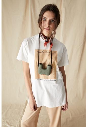 DeFacto beige Short Sleeve Relax Fit Cotton T-Shirt 16833AADA0438CGS_1