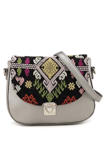 MITHLABS red and grey Marine Saddle Bag 9DD39ACEAAA3A9GS_1
