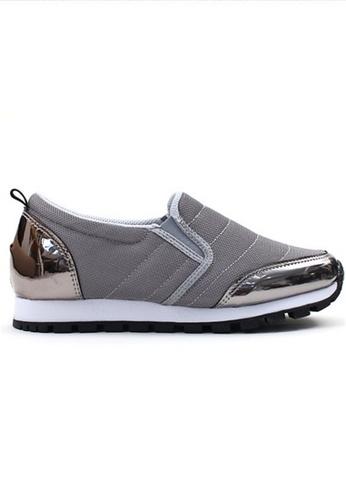 Crystal Korea Fashion 灰色 韓國製百搭舒適平底輕便鞋 7F0A6SH0325286GS_1