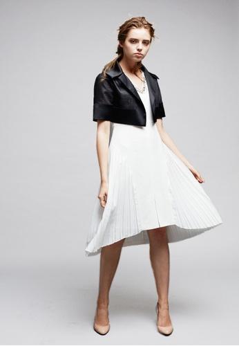 cabca5ea812ca LE BRODE white Chiffon Pleated Sleeveless One-piece Dress 83C96AAB0DC49BGS 1