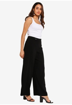 8b1af37cd 17% OFF Dorothy Perkins Black Wide Leg Trousers RM 179.00 NOW RM 149.00  Available in several sizes