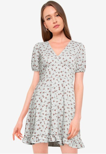 Miss Selfridge grey PETITE Grey Floral Print Fit And Flare Dress CBE54AA9D6640CGS_1