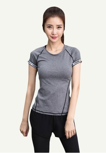 B-Code grey ZYG5153-Lady Quick Drying Running Fitness Yoga Sports Top and Leggings with Shorts-Grey 8F85CAA0865A3EGS_1