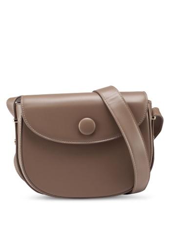 Berrybenka brown Hannah Martha Sling Bag 48C40AC2692F63GS_1