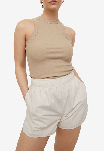 H&M white and beige Sporty Shorts AB3BBAA02C297CGS_1