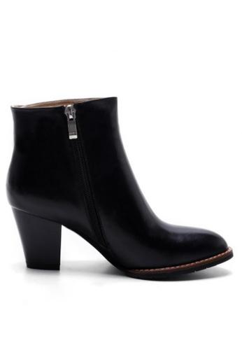 Sunnydaysweety 黑色 型格黑色真皮高跟靴 RA092711 SU395SH09Y1ATW_1