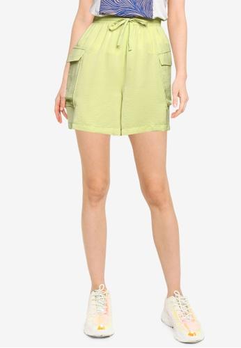 Vero Moda green Carlee Cargo Shorts 0DEF3AA19CC90FGS_1