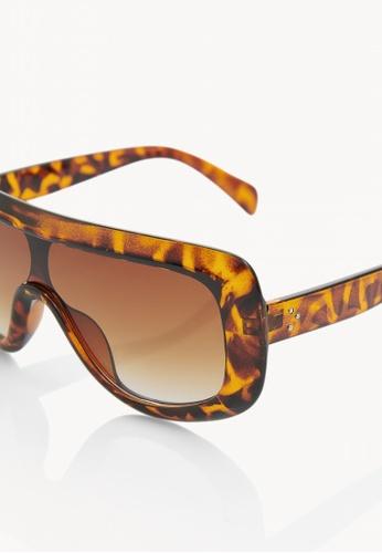 48bb8aa33b Buy Pomelo Tortoise Frame Shield Sunglasses - Brown Online on ZALORA  Singapore