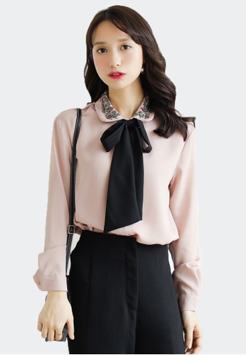Shopsfashion pink Embellished Collar Blouse in Pink C879BAA23D5FD9GS_1
