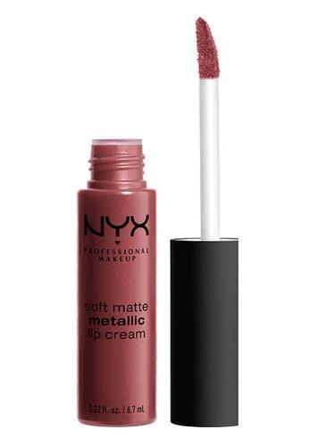 NYX Professional Makeup brown NYX Professional MakeupSoft Matte Metallic Lip Cream - ROME B1566BE7EFDD38GS_1
