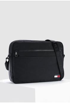 Tommy Hilfiger SPORT MIX MESSENGER RM 779.00. Sizes One Size 249472118c6e5