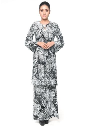 UMMIRIAZ black Kurung Pahang in Black & White Daisy EF28BAA3B4C0C7GS_1