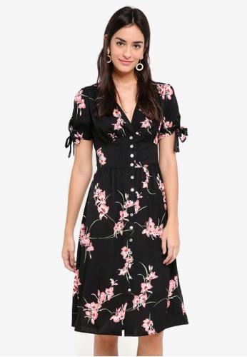 ZALORA black and multi Puff Sleeve V-Neck Dress C739EAAC923247GS_1