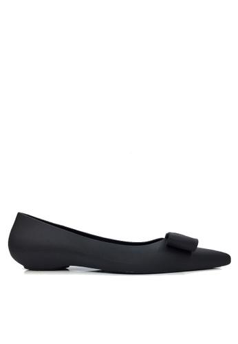 Twenty Eight Shoes black 3D Bow Waterproof Jelly Flats VR8302 B711ASH3542EFAGS_1