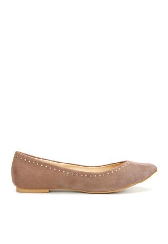 KissXXX 褐色 時尚心機美鑽效果V型淺口舒適平底休閒鞋 KI603SH09MTSTW_1