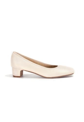 Shu Talk beige Simply Comfortable Square Toe Low Blocked Heels Shoes 02EA8SH1C11C56GS_1