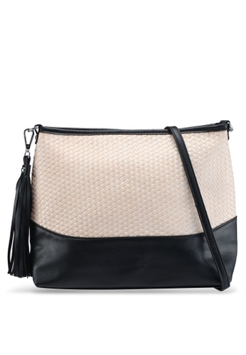 Something Borrowed beige Textured Detail Bag 2718CZZD6D4CB5GS_1