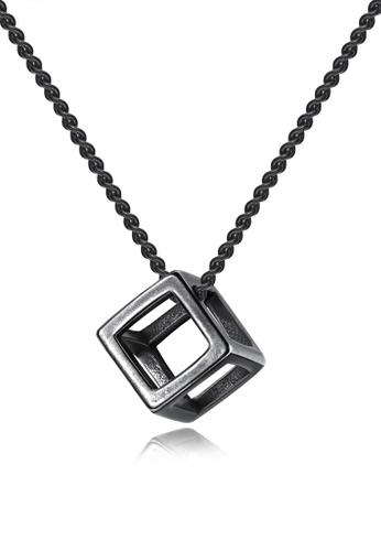 Trendyshop black Cube Pendant Necklace 30CEAAC17BADFCGS_1