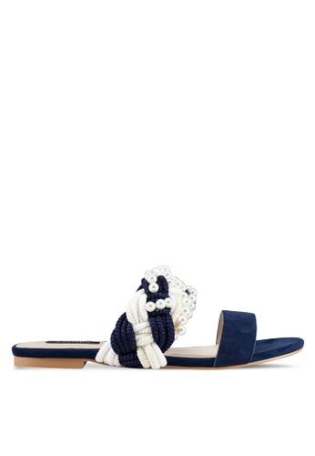 ZALORA 海軍藍色 新年系列 編織珍珠涼鞋 CAAECSH61ECC9BGS_1