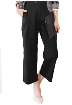 Minimalist Chic Wide-Legged Trousers
