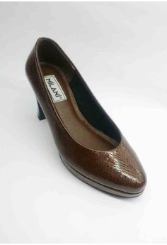 Executive Snake Skin Closed, Semi-Pointed Toe Pumps half-inch Plat form