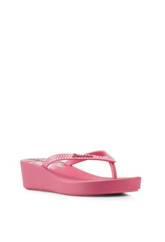 d6ed37bac 15% OFF Ipanema Ipanema Floral Plat Fem Flip Flops RM 99.00 NOW RM 83.90  Sizes 4.5 6 7 8 9