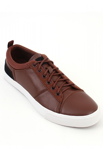 World Balance brown Jaunt MS Sneakers 1C552SH230260DGS_1