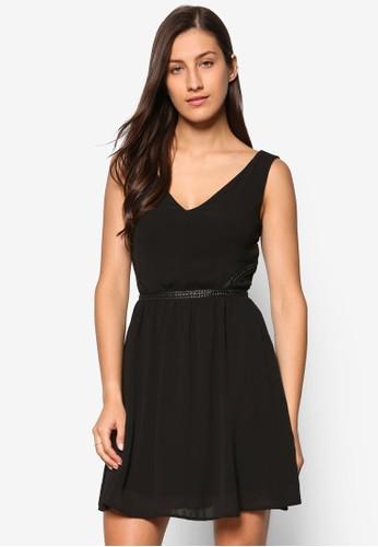 PU 腰帶V 字領無袖傘擺洋裝, 服飾,esprit retail 洋裝