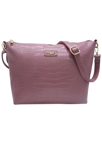 STRAWBERRY QUEEN pink Strawberry Queen Flamingo Sling Bag (Croc Y, Pink) FBFF7AC075821FGS_1