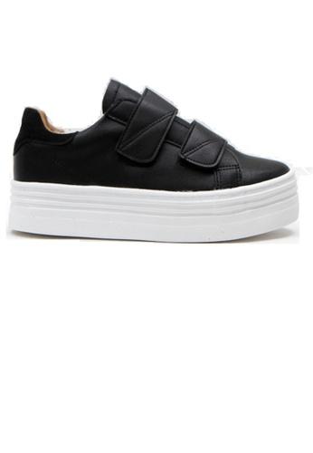 Crystal Korea Fashion 黑色 韓國製百搭便利貼厚底休閒鞋 E1F6ESHB0104E4GS_1