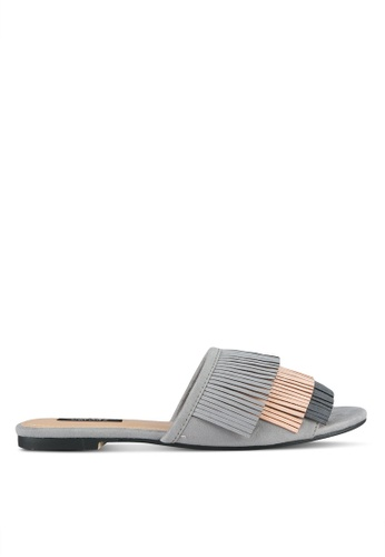 ZALORA grey Fringe Detail Sandals 9BDE6SH0288DC3GS_1
