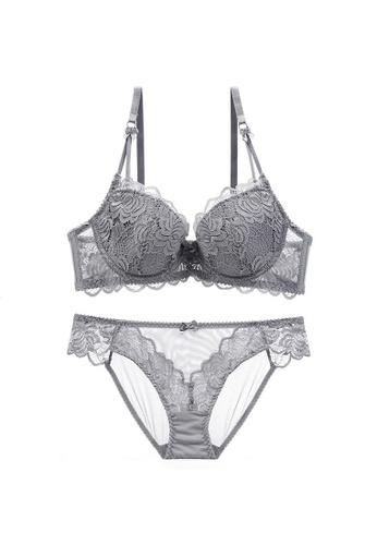 W.Excellence grey Premium Gray Lace Lingerie Set (Bra and Underwear) 98E78US96E8249GS_1