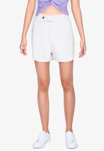 ZALORA BASICS white Curve Hem PU Shorts A5EA5AA3CA68D1GS_1