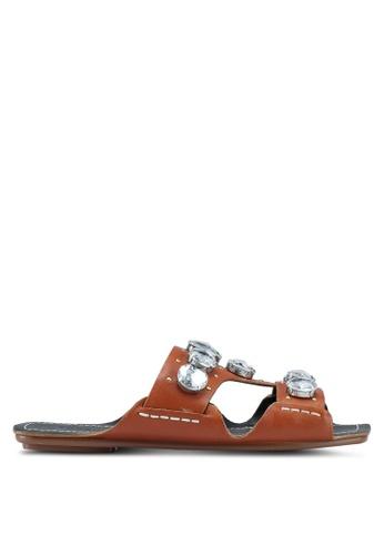 TOPSHOP 褐色 鑽飾涼鞋 BE788SH6F305B0GS_1